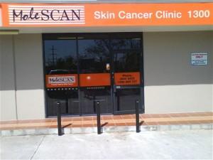 Black-Fixed-Bollards-Brisbane-molescan-clinic