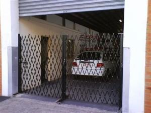 Roller-Door-Factory-Mobile-Barriers-Trellibarrier-1