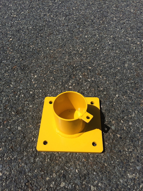 SURFACE-MOUNT-REMOVABLE-BOLLARD-sleeve