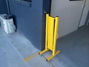 portable -trellis-expanding-barricade-5