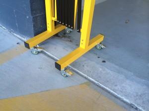 portable -trellis-expanding-barricade-9
