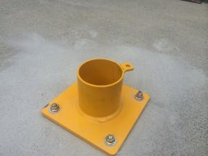 removable-base-plated-bollard-1