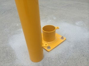 removable-base-plated-bollard-1REMOVABLE-BASE-PLATEd