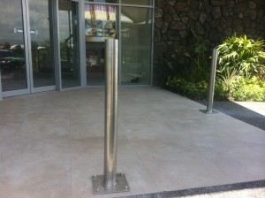 stainless-steel-base-plated-bollards